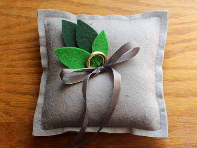 Ring_pillow_1