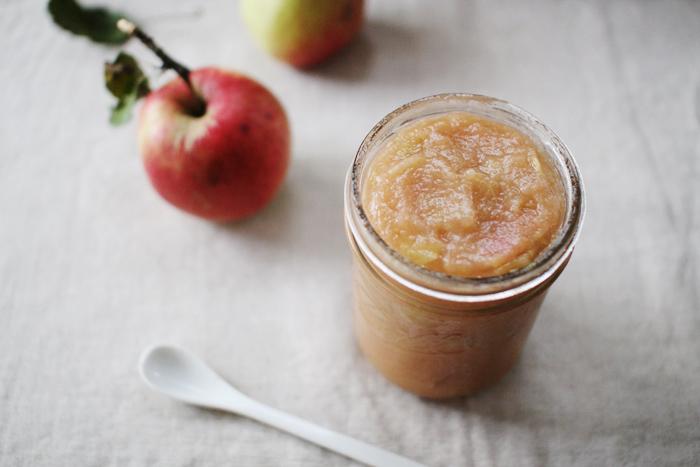 Super Easy Applesauce by Elephantine