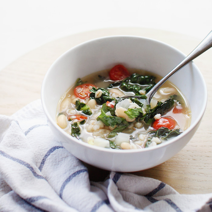 kale, barley, and bean soup | elephantineblog.com